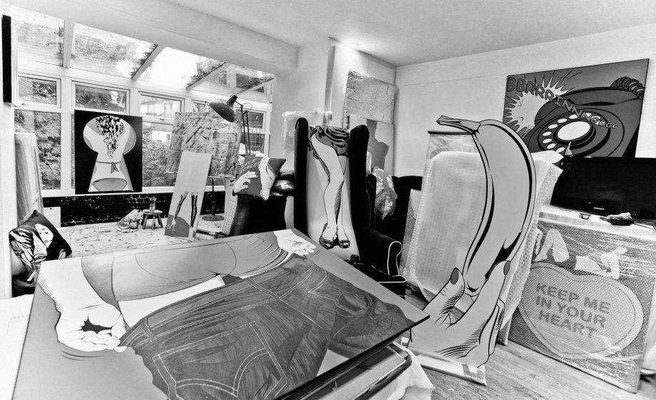Photo taken at the old studio by Cristina Schek.